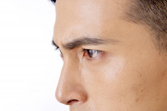 眉毛の印象を自然に濃くするには?